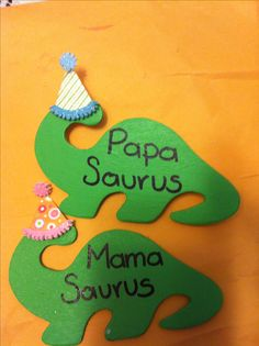 Dinosaurs party name tags perfect for the baby shower...
