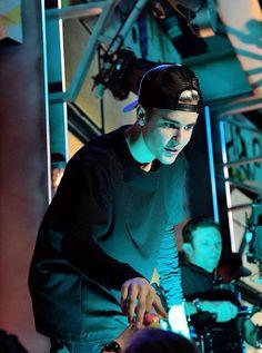 Justin                                                                                                                                                                                 Más