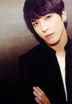 Jung Yong Hwa ♡ ... the only think he wears twice are his earings ...