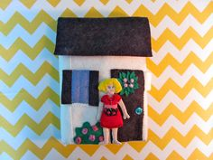 Dollhouse Quiet Book – Cover & Assembly, plus many other quiet books. Very well done! Diy Quiet Books, Felt Quiet Books, Quiet Book Patterns, Busy Book, Book Activities, Activity Books, Felt Crafts, Kid Crafts, Handmade Toys