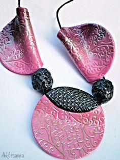 M's PINKY MAGIC - Polymer Clay Necklace by Studio Artesania