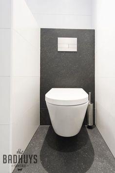 Modern toilet stucwerk met grijze tegels het badhuys breda badkamer pinterest toilets - Tegels wc design ...