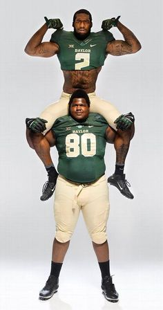 Baylor's Shawn Oakman + Laquan McGowan = 13 feet and 680 pounds of terror #SicEm