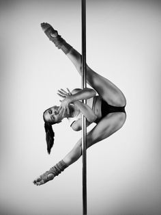 Dance, Pole Pose,Pole Dance, Pole Pose, Dancing Poses Drawing Inspiration 42 Ideas 24 ideas sport photography ideas black for 2019 Scorpian/Inside leg hang Photographic Print: D? Pole Dance Fitness, Pole Dance Moves, Pool Dance, Dance Choreography, Dance Poses, Pole Dancing, Acro Dance, Barre Fitness, Fitness Exercises