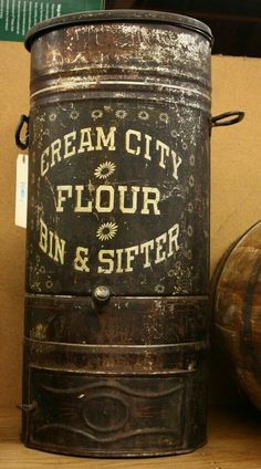 Vintage Cream City flour bin and sifter Antique Bedroom Furniture, Shabby Chic Furniture, Rustic Furniture, Furniture Layout, Furniture Projects, Furniture Design, Vintage Tins, Vintage Love, Vintage Antiques