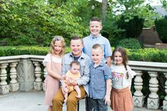 Utah Family Photographer - I've know the Bawden Family for many, many years. Family Picture Colors, Family Picture Poses, Family Picture Outfits, Family Photo Sessions, Family Posing, Extended Family Pictures, Family Pictures What To Wear, Summer Family Pictures, Beach Family Photos