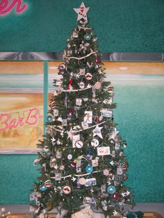 Check out these awesome christmas trees decorated by our very own will win a visa gift card our local school students decorated these amazing christmas trees check them out for yourself at solutioingenieria Images