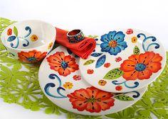 Also trending on Pinterest. Laurie Gates dinnerware.  sc 1 st  Pinterest & Laurie Gates Floral Embossed 16-pc Melamine Dinnerware Set ...