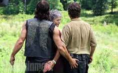 Behind the Scenes of EW's 'Walking Dead' Photo Shoot | | EW.com