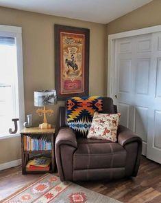 Belle Home Furnishings - mobili occidentale Western Nursery, Cowboy Nursery, Western Bedroom Decor, Western Rooms, Vintage Western Decor, Cowboy Bedroom, Rustic Nursery, Into The West, Ranch Decor