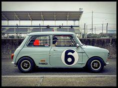 Mini Cooper Classic, Mini Cooper S, Classic Mini, Classic Cars, Mini Cafe, Cooper Car, Austin Healey Sprite, Mini Countryman, Mini S