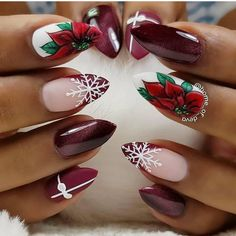 Christmas nails inspirations for the holidays - VanityFair.it - Unghie natalizie ispirazioni per le feste – VanityFair.it Christmas nails Nail Art Noel, Xmas Nail Art, Xmas Nails, Winter Nail Art, Holiday Nails, Winter Nails, Christmas Nails, Christmas Ideas, Nail Swag