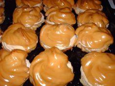 Výborné karamelové veterníky! Czech Desserts, Homemade Sweets, Sponge Cake Recipes, Eclairs, Confectionery, Dessert Recipes, Food And Drink, Pie, Vegetables