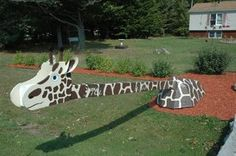 Giraffe mailbox [Eccentric Mailboxes: A Good Future Use for Your Old-School Box of Mail | Digital Postal Mail]