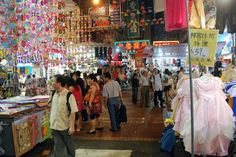 Ladies Market | 10Best shopping places near cruise port in Hong Kong