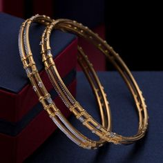 Plain Gold Bangles, Gold Bangles For Women, Gold Bangles Design, Gold Earrings Designs, Necklace Designs, Real Gold Jewelry, Gold Jewelry Simple, Fancy Jewellery, American Diamond Jewellery