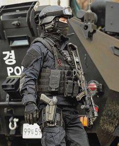 South Korean SWAT team #airsoftloadout,airsoftsetup,airsoftgear,operatorloadout,sasloadout,specialforcesloadout,pmcloadout,pmcloadoutplatecarrier,swatpolice,armedpolice,divisionloadout