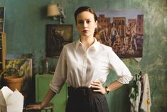 The Glass Castle​ is based on Jeannette Walls's 2005 memoir of her childhood with her troubled, nomadic family and is now a movie starring Brie Larson, Woody Harrelson, and Naomi Watts Brie Larson, Naomi Watts, Movie Guide, Movie List, 2 Movie, Ella Anderson, Tv Spielfilm, Jeannette Walls, Poster