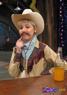 Jennette Mccurdy, Nickelodeon Shows 2000, Spencer Icarly, Response Memes, Teen Tv, Sam And Cat, Miranda Cosgrove, Old Shows, Meme Background