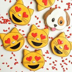 We're in love with these Emoji cookies!