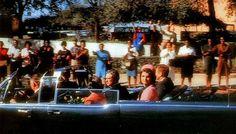 President John F Kennedy slain on Dallas street - Click Americana John F Kennedy, Les Kennedy, Caroline Kennedy, Jacqueline Kennedy Onassis, Jaqueline Kennedy, Dean Martin, James Dean, Paul Walker, Carrie Fisher