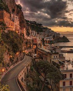 Amalfi coast wallpaper #amalfi #coast #wallpaper & amalfiküste tapete & fond d'écran côte amalfitaine & fondo de pantalla de la costa de amalfi & amalfi coast photography, amalfi coast italy, amalfi coast itinerary, amalfi coast elopement, amalfi coast positano, amalfi coast outfits, amalfi coast wedding, amalfi coast fashion, amalfi coast hotels, amalfi coast things to do, amalfi coast aesthetic, amalfi coast honeymoon, amalfi coast m