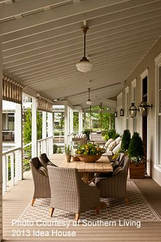 Southern Living 2013 Idea House by Phoebe Howard: Nashville Farmhouse. Another beautiful indoor/outdoor living space. Southern Living, Southern Porches, Country Porches, Outdoor Rooms, Outdoor Furniture Sets, Cane Furniture, Inexpensive Furniture, Outdoor Dining, Furniture Ideas