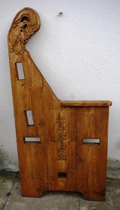 Medieval Furniture, Gothic Furniture, Cool Furniture, Celtic Crafts, Medieval Crafts, Wooden Projects, Furniture Projects, Shed Room Ideas, Woodworking Plans