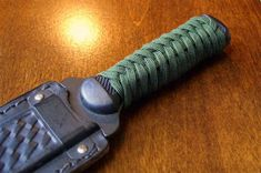 I share photos of my hobby with decorative and useful knot work, with paracord and other sizes/types of cordage and accessories. Paracord Knots, Rope Knots, 550 Paracord, Paracord Bracelets, Paracord Weaves, Paracord Braids, Paracord Knife Handle, Paracord Projects, Paracord Ideas