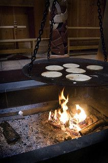 Viking food: Cooking leiv at the hearth | by Vrangtante Brun