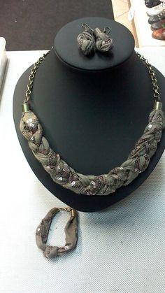 Conjunto colar, pulseira e brincos :-)