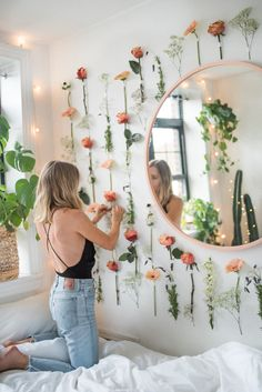 How to Make a DIY Flower Wall — DELANEY BEDROSIAN Room Ideas Bedroom, Bedroom Wall, Bedroom Decor, Flower Room Decor, Cute Room Decor, Fleurs Diy, Aesthetic Room Decor, My New Room, Diy Flowers