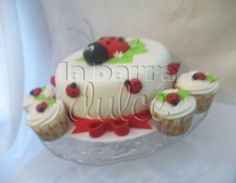 Lady bug cake cupcakes fondant daisies Pastel y cubiletes de Tortolita Mariquita Margarita Guatemala