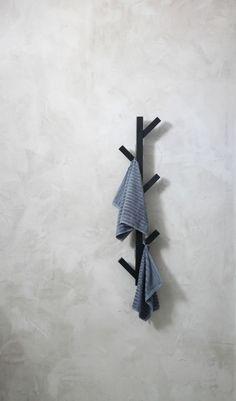 Naulakossa on alempana pyyhkeet myös perheen pikkuväelle.
