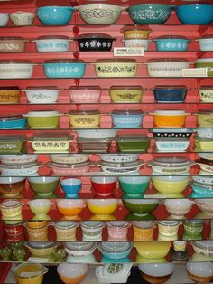 Vintage Pyrex. My new obsession. Going to start searching yard sales next Spring/Summer.