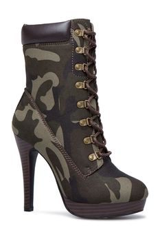 Frauen Schnalle High Heels Stiefeletten Frauen Schnalle High Heels Stiefeletten Stiefeletten Daisy Dress For Less Source by Chunky Shoes To Copy Today Velvet Ankle Boots, Platform Ankle Boots, High Heel Boots, Heeled Boots, Bootie Boots, Shoe Boots, Camo Boots, Camo High Heels, Women's Booties