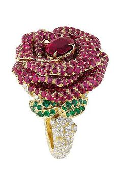 Collection 'Le bal des roses' de Dior Joaillerie #luxury #jewels #Dior #rubies #ring