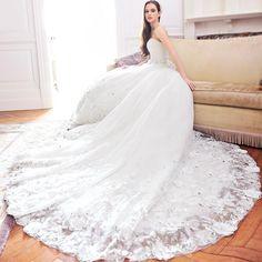 $192.29 Dresswe.comサプライ品エレガントなアップリケはインライン裁判所の列車のウェディングドレスを恋人