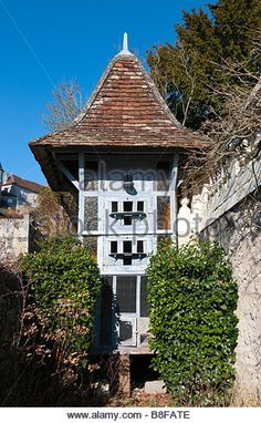 Combined pigeon coop and rabbit hutch, Angles-sur-l'Anglin, Vienne, France. - Stock Image