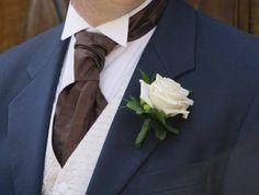 I tulipani vanno bene in tutte le stagioni? E' vero che le peonie sono troppo delicate per il bouquet? Sarà il fiorista Gabriele Bisetto a consigliarvi. Info su www.sposarsiavenezia.it