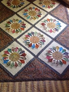 "DRESDEN STAR"" by Edyta Sitar for Laundry Basket Quilts Dresden Sunflower-by Harriet"
