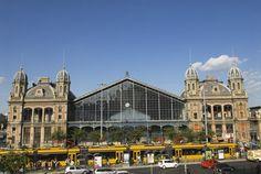 """La Stazione """"Nyugati"""" progettata da Eiffel Take My Breath, Budapest Hungary, Roots, Cities, Louvre, Country, Building, Travel, Construction"""