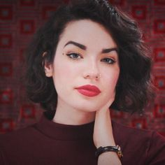Just uploaded an Audrey Horne makeup video ☕️