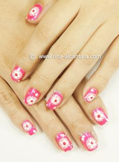 an ombre and floral manicure #nailart #valentines