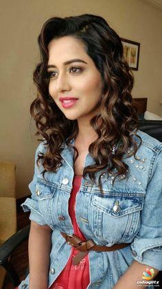 Raiza Wilson Raiza Wilson, Tamil Actress Photos, Telugu Cinema, Telugu Movies, Body Shapes, Bollywood, Ruffle Blouse, Actresses, Actors