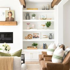 This Chic Home in Minnesota Is Making Our Heads Spin Living room shelves Home Living Room, Room Design, Interior, Home Decor, House Interior, Living Room Inspiration, Home Interior Design, Interior Design, Living Decor