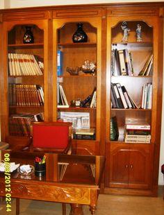 Spiti Experts βιτρίνα έπιπλο Κουλιακιώτη China Cabinet, Liquor Cabinet, Bookcase, Shelves, Storage, Furniture, Home Decor, Style, Purse Storage