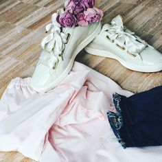 I've been so caught up in work apologies for being m i a. Hope you're having a great week and yeah for today being mid week  #happyhumpday #fashion #lifestyleblog #fashionblogger #ootd #wiw #details #outfitinspiration #flatlay #styleinspiration #zara #puma #roses #pink #eatglitterwithme #egwm