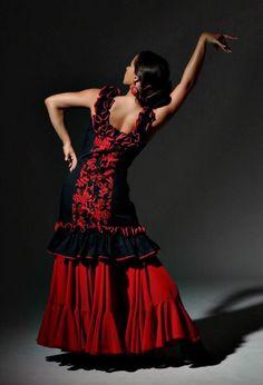 Flamenco Dancer Gypsy Dance - Nina Teza #flamenco #gypsy #dancer #dress