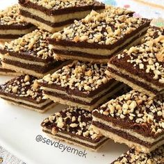 Lade Cookie - Food & Drink The Most Delicious Desserts – Culture Trip Fun Easy Recipes, Sweet Recipes, Cake Recipes, Dessert Recipes, Layered Desserts, Mini Desserts, Traditional Cakes, Recipe Mix, Turkish Recipes